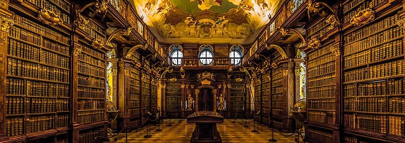 Bibliothek, symbolisiert die Bücherliste orthodoxer Literatur